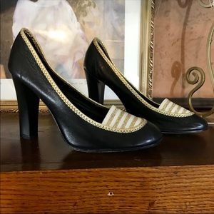 MARC JACOBS BLACK AND GOLD LEATHER PUMPS (7)